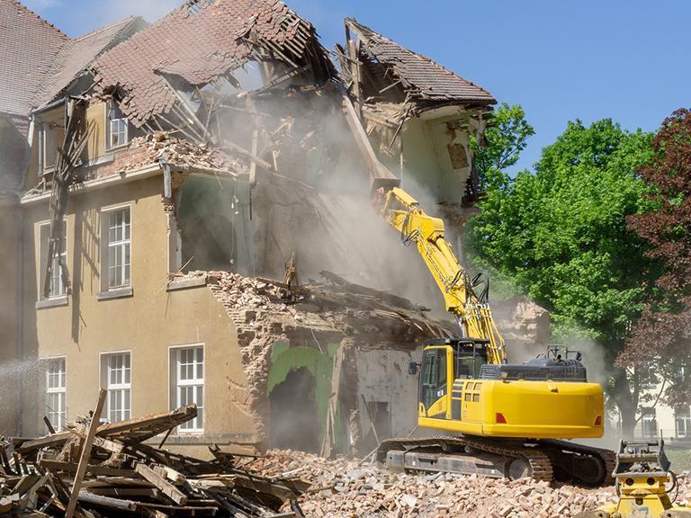 Rozbiórki iwyburzenia obiektów budowlanych